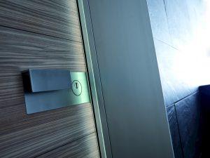 Porta blindata Bauxt plank, dettaglio maniglia | DF Serramenti