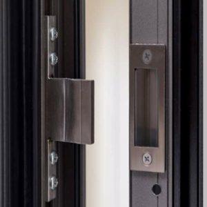 Dettaglio incontro portoncino in Alluminio Kopen | DF Serramenti