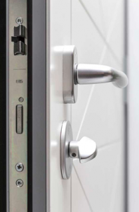 Dettaglio serratura portoncino in Alluminio Kopen | DF Serramenti