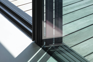 Dettaglio dello scorrevole Vetrate Orama Minimal Frames