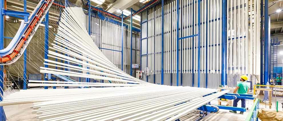 kromoss-impianto-verniciatura-verticale-profili-alluminio-df-serramenti-padova